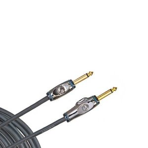 Planet Waves Circuit Breaker cables feature an integrated mute switch that prevents loud pops or squeals when unplugging your instrument. Simply press the button to activate the mute function, and unplug