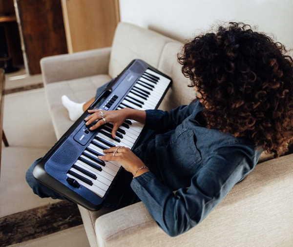 Casio CTS300BK Casiotone Keyboard (2)